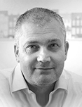 Founder and CEO of eMoov.co.uk,Russell Quirk